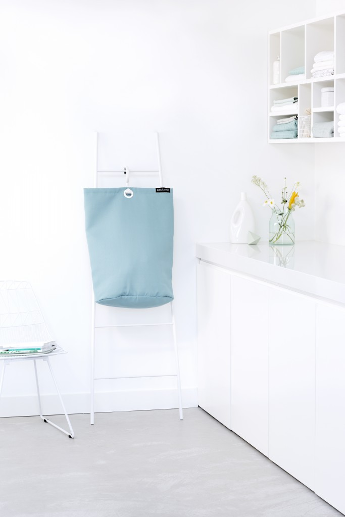 106064-Hanging-Laundry-Bag-Pastel-Mint-Mood-02