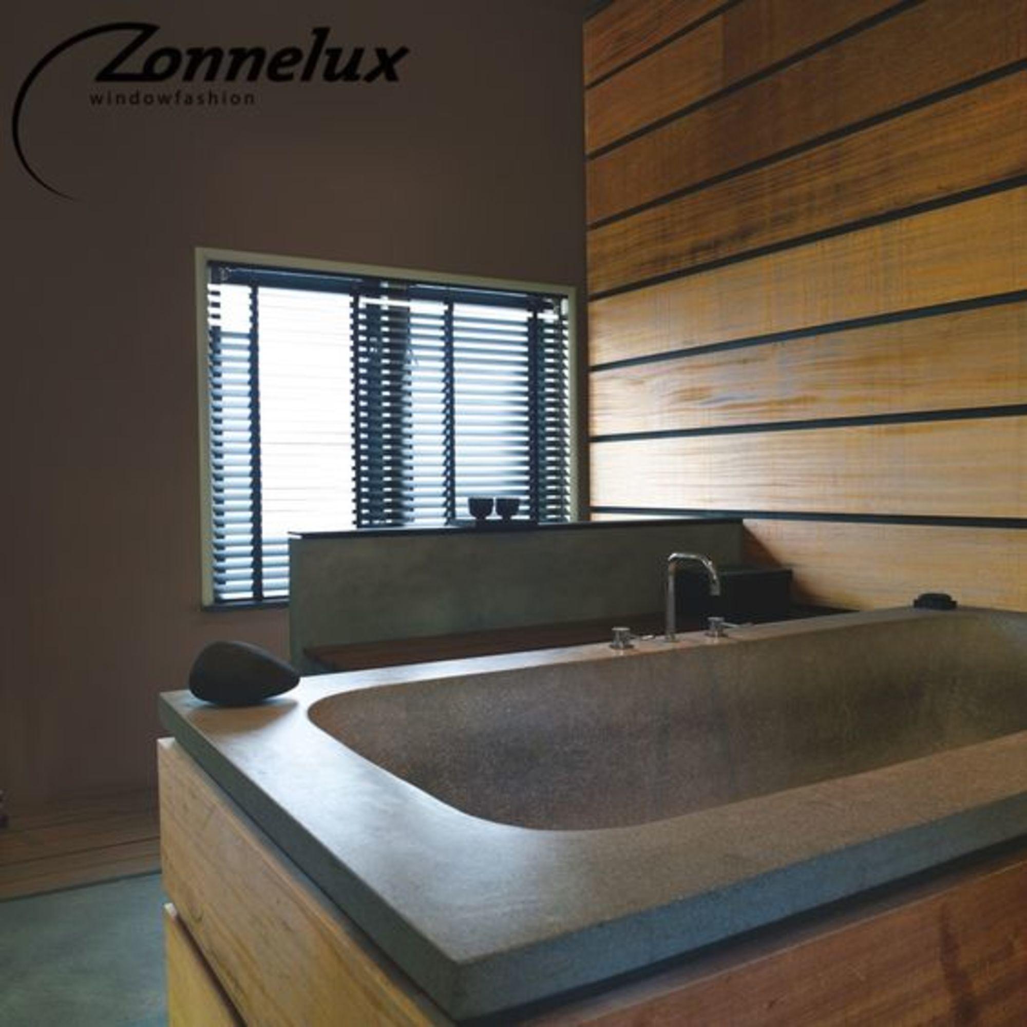 maisonbelle-badkamer-jaloezieen